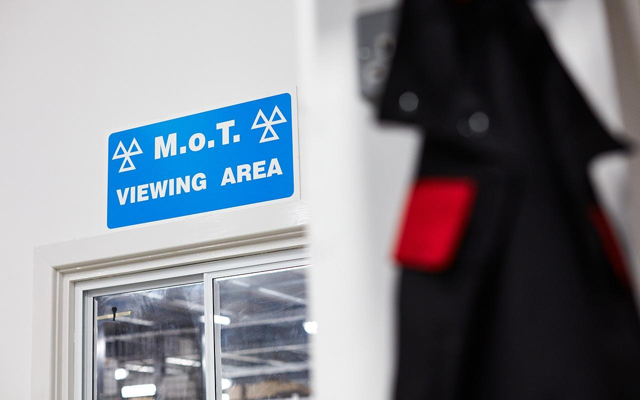 Book your MOT test at Perrys